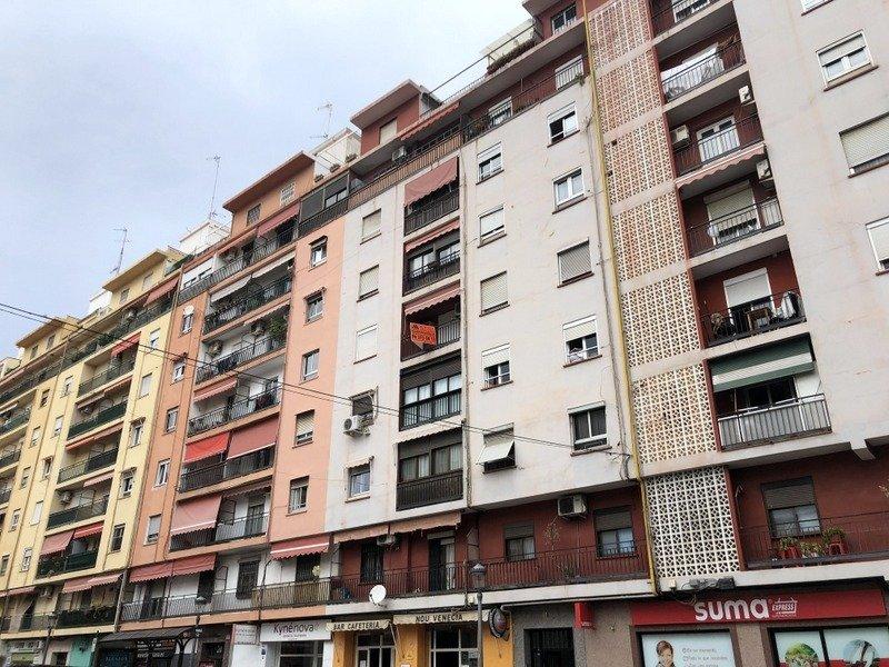 piso en valencia · nou-moles 125000€