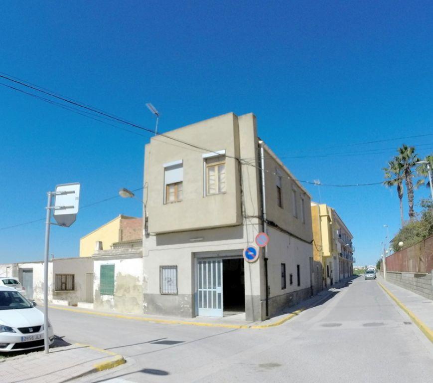 Venta de casa de dos alturas en Bonrepós(Valencia). Ideal si lo suyo son los proyectos personalizad