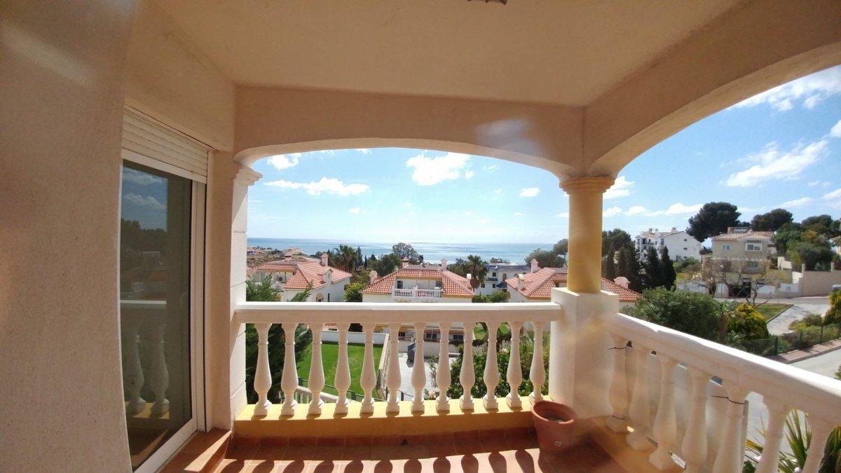 Unifamilar con tres dormitorios y jardín, magníficas vistas en Benalmádena