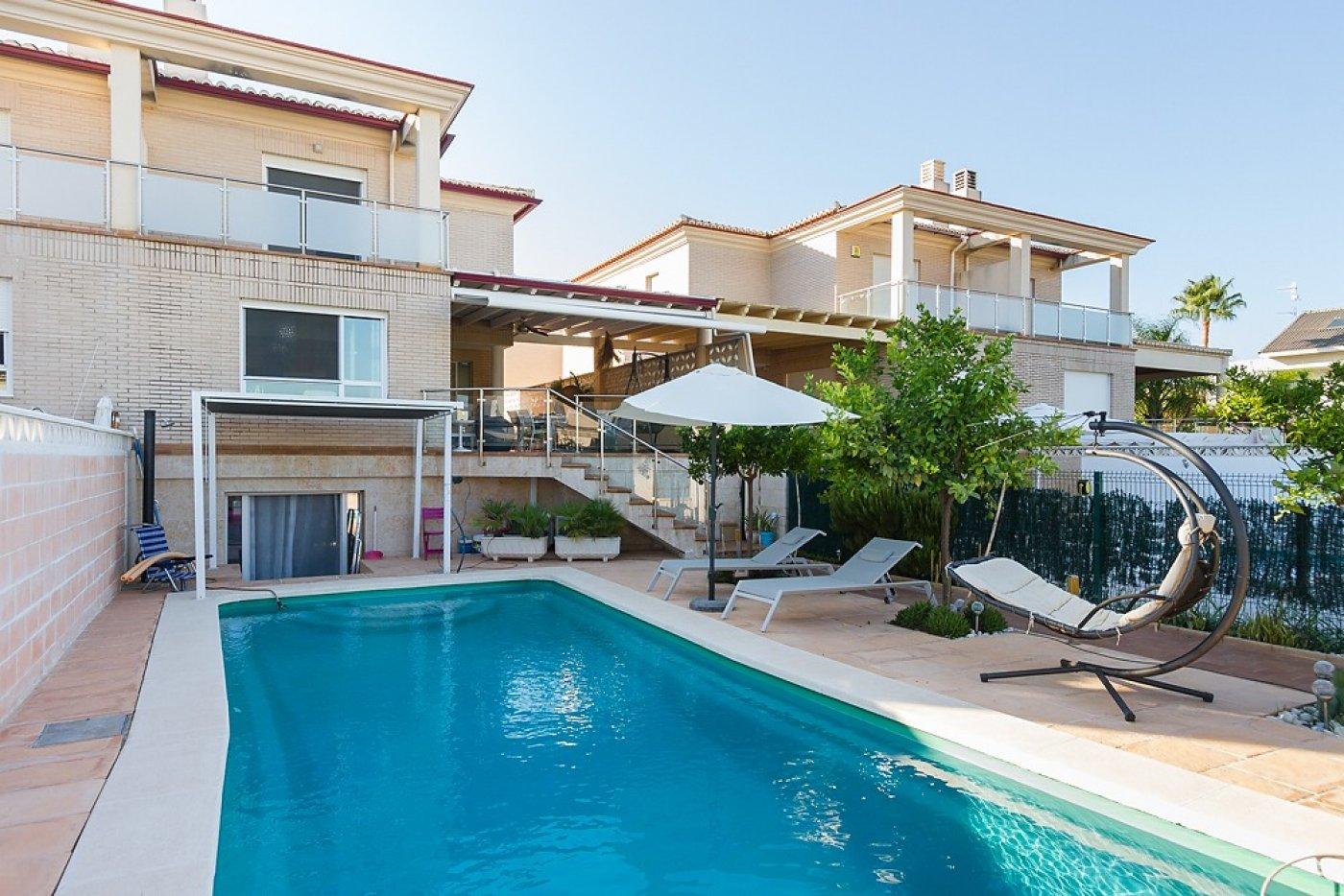 Fantástica casa de lujo en gandía con piscina, terraza y vivienda de inivtados. - imagenInmueble0