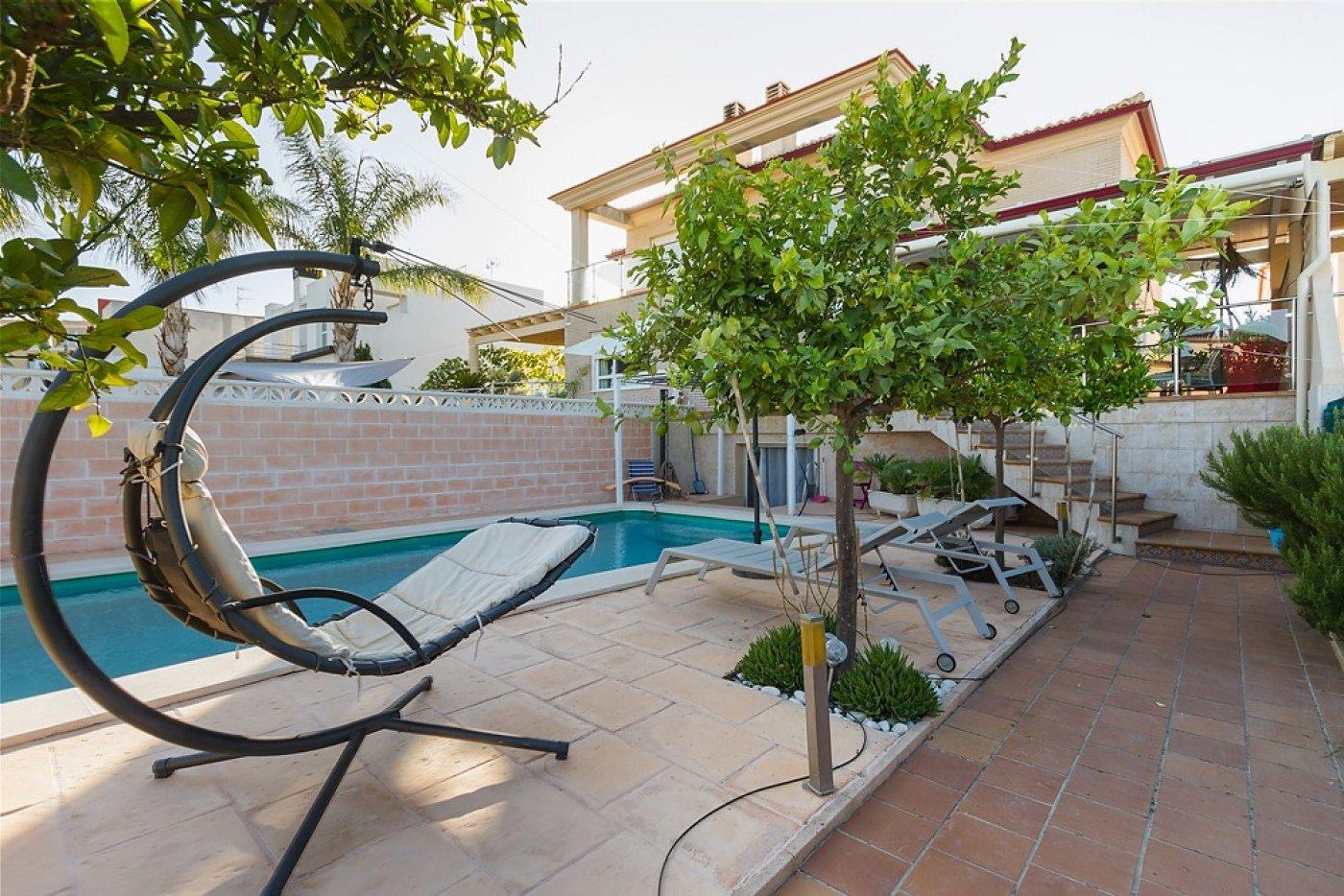 Fantástica casa de lujo en gandía con piscina, terraza y vivienda de inivtados. - imagenInmueble2
