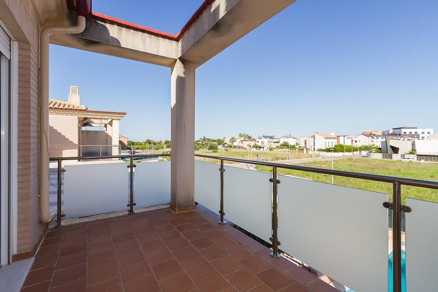 Fantástica casa de lujo en gandía con piscina, terraza y vivienda de inivtados. - imagenInmueble32