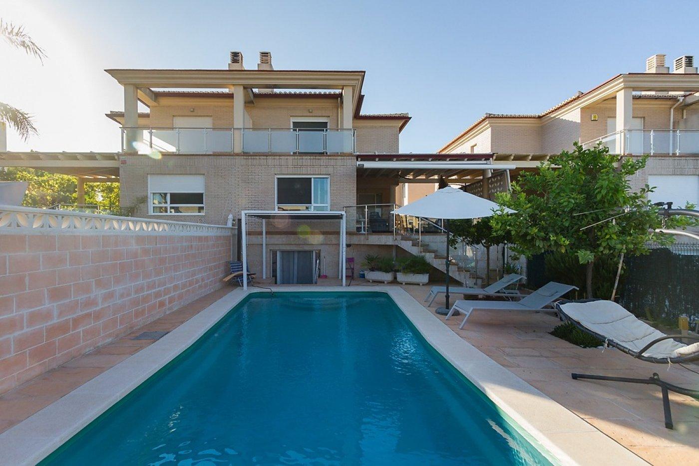 Fantástica casa de lujo en gandía con piscina, terraza y vivienda de inivtados. - imagenInmueble3