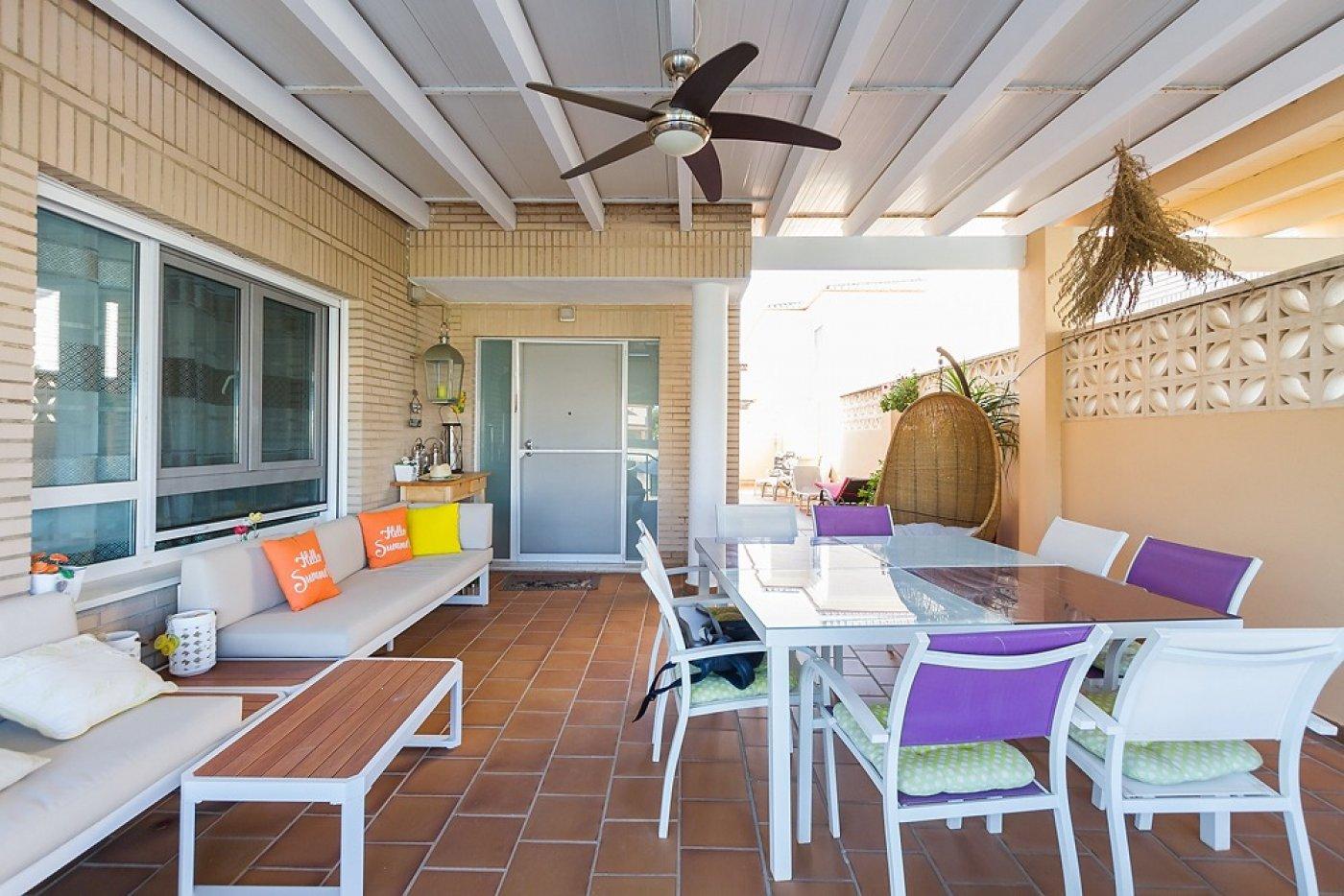 Fantástica casa de lujo en gandía con piscina, terraza y vivienda de inivtados. - imagenInmueble4