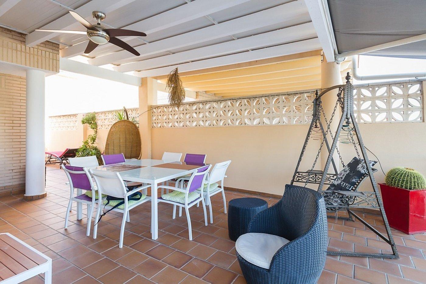 Fantástica casa de lujo en gandía con piscina, terraza y vivienda de inivtados. - imagenInmueble5