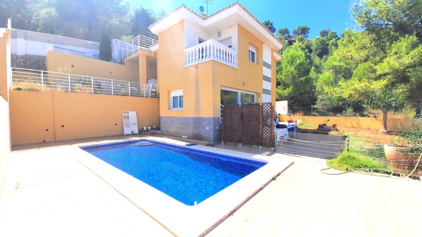 Chalet independiente con vistas al mar en urbanización montecorona. piscina propia, jardín - imagenInmueble0
