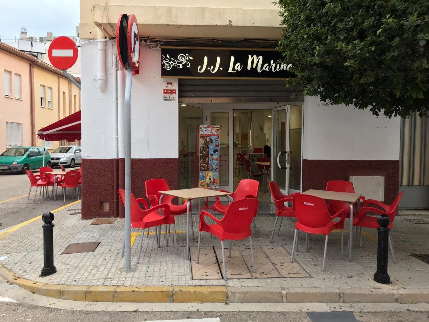 Local comercial acondicionado como bar  para entrar  a trabajar en benirredra. - imagenInmueble9