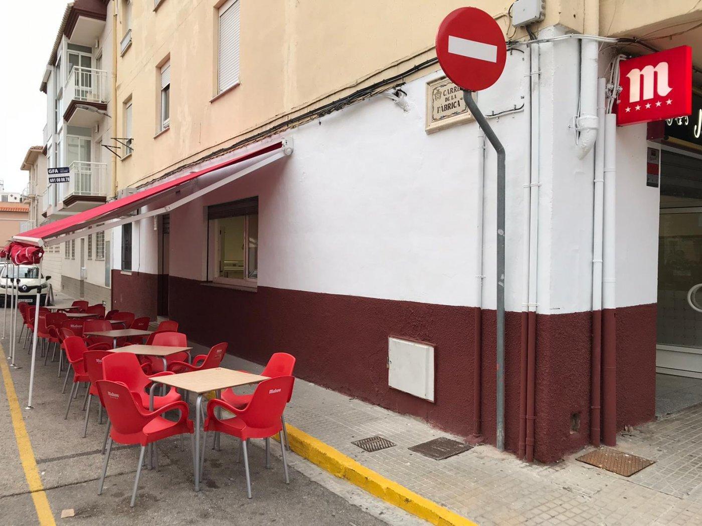 Local comercial acondicionado como bar  para entrar  a trabajar en benirredra. - imagenInmueble10