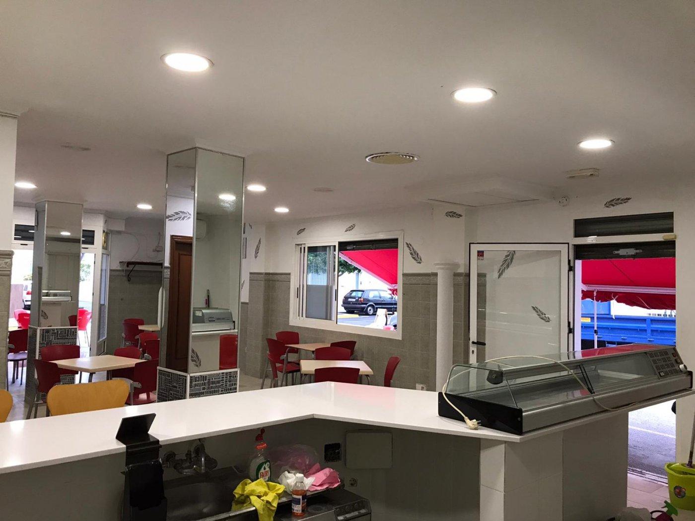 Local comercial acondicionado como bar  para entrar  a trabajar en benirredra. - imagenInmueble1