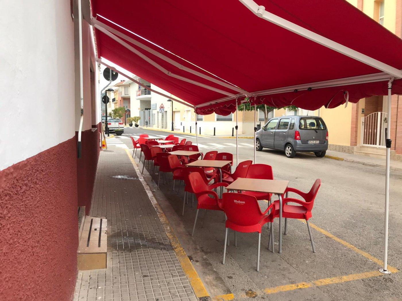 Local comercial acondicionado como bar  para entrar  a trabajar en benirredra. - imagenInmueble8