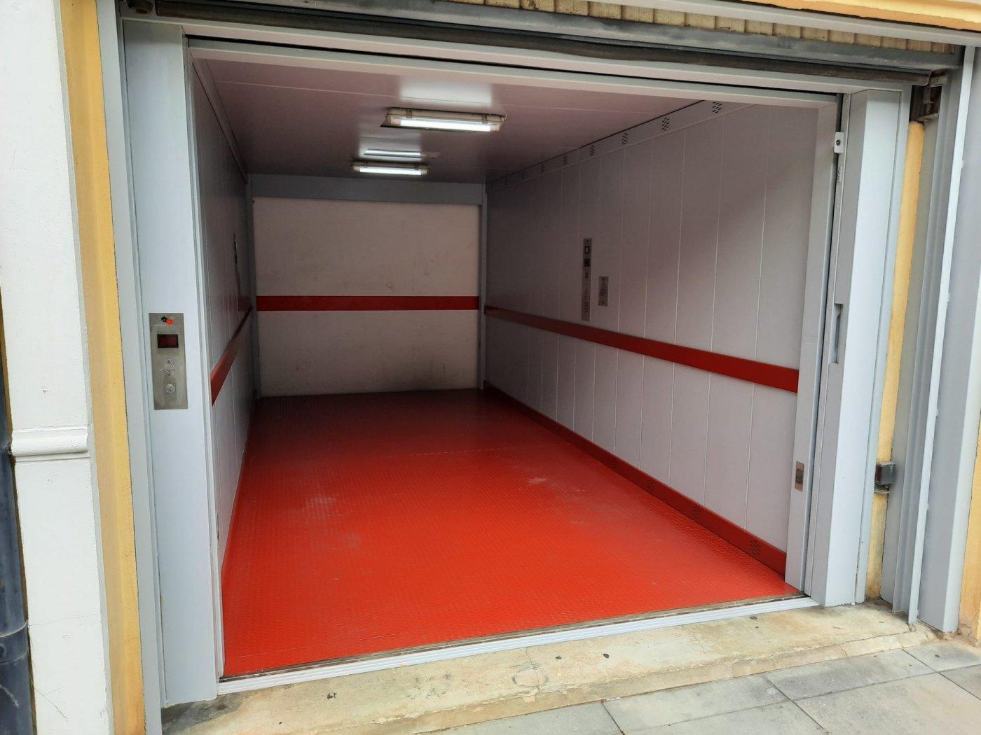 Garaje en  sotano con elevador  en plaza prado - imagenInmueble6