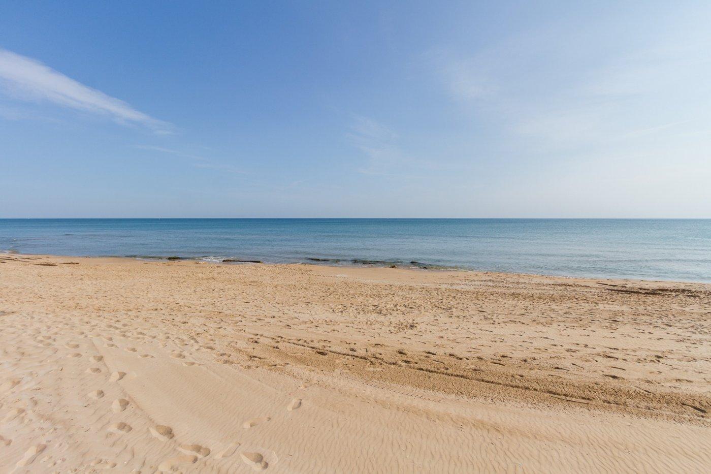 Fabuloso apartamento a 120 metros de la playa. - imagenInmueble21