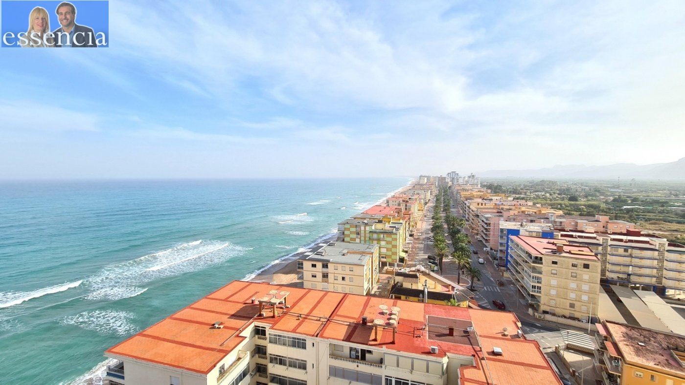 Disfruta de un fabuloso apartamento con una gran terraza y vistas al mar. - imagenInmueble1