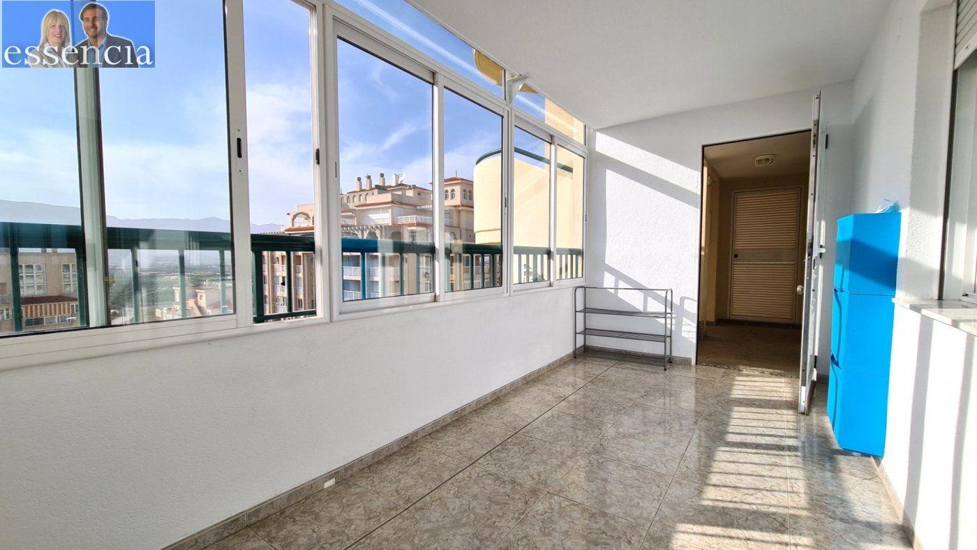 Disfruta de un fabuloso apartamento con una gran terraza y vistas al mar. - imagenInmueble21