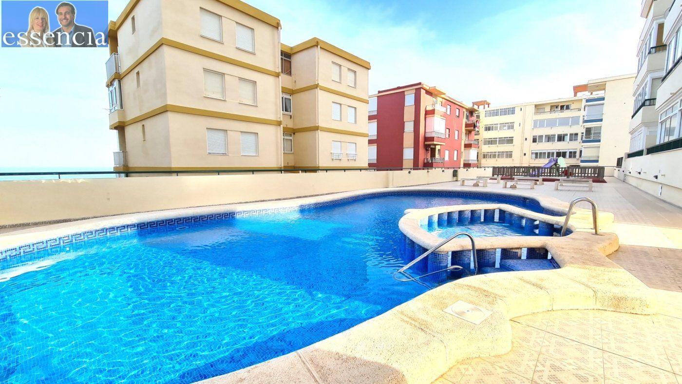 Disfruta de un fabuloso apartamento con una gran terraza y vistas al mar. - imagenInmueble22