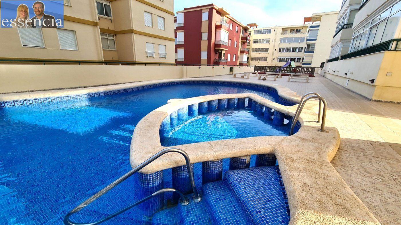 Disfruta de un fabuloso apartamento con una gran terraza y vistas al mar. - imagenInmueble23