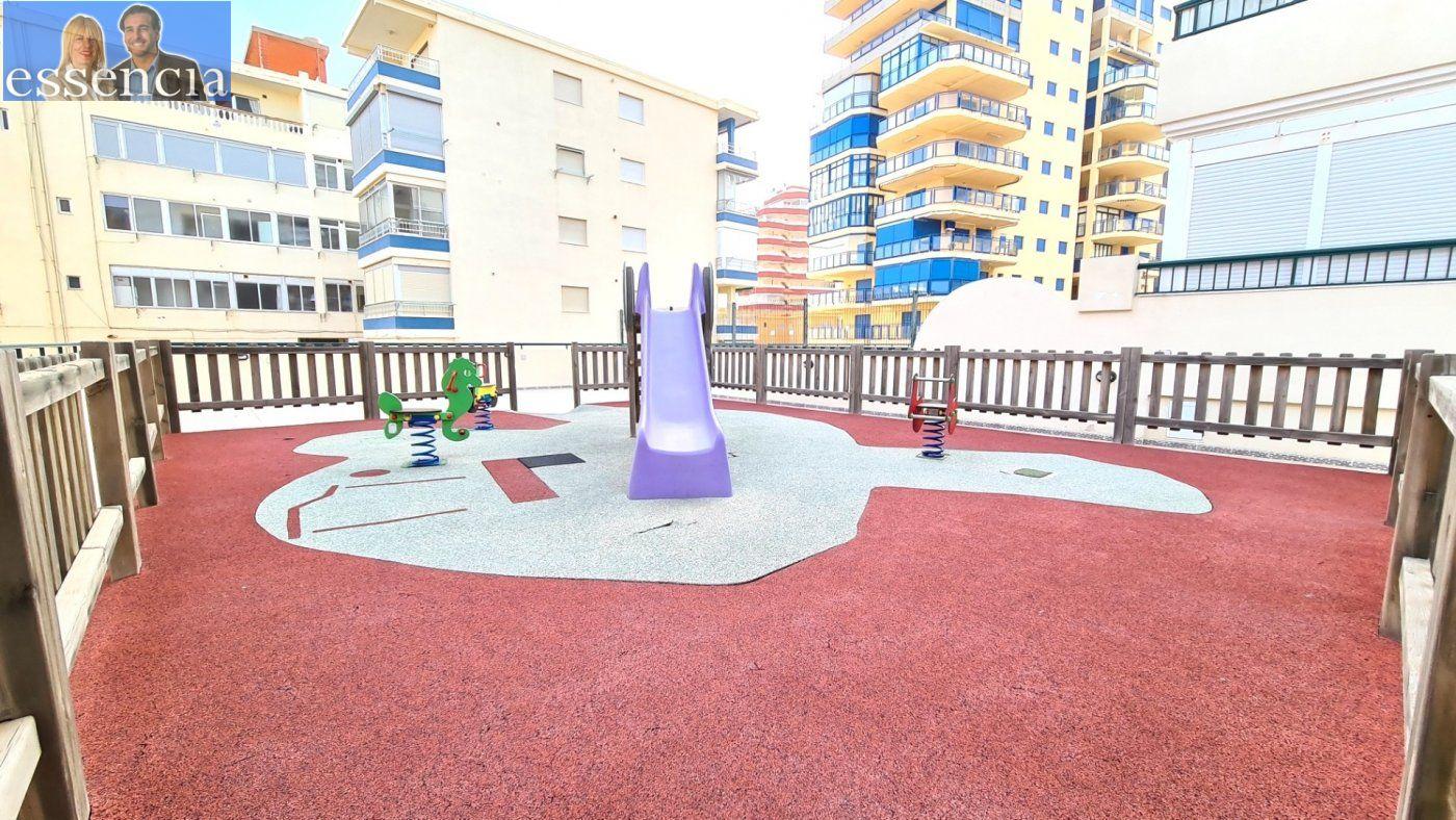 Disfruta de un fabuloso apartamento con una gran terraza y vistas al mar. - imagenInmueble24