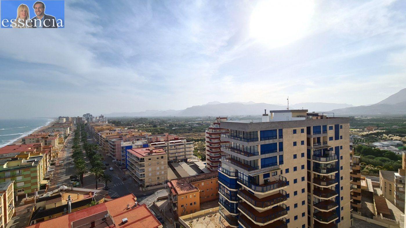 Disfruta de un fabuloso apartamento con una gran terraza y vistas al mar. - imagenInmueble25