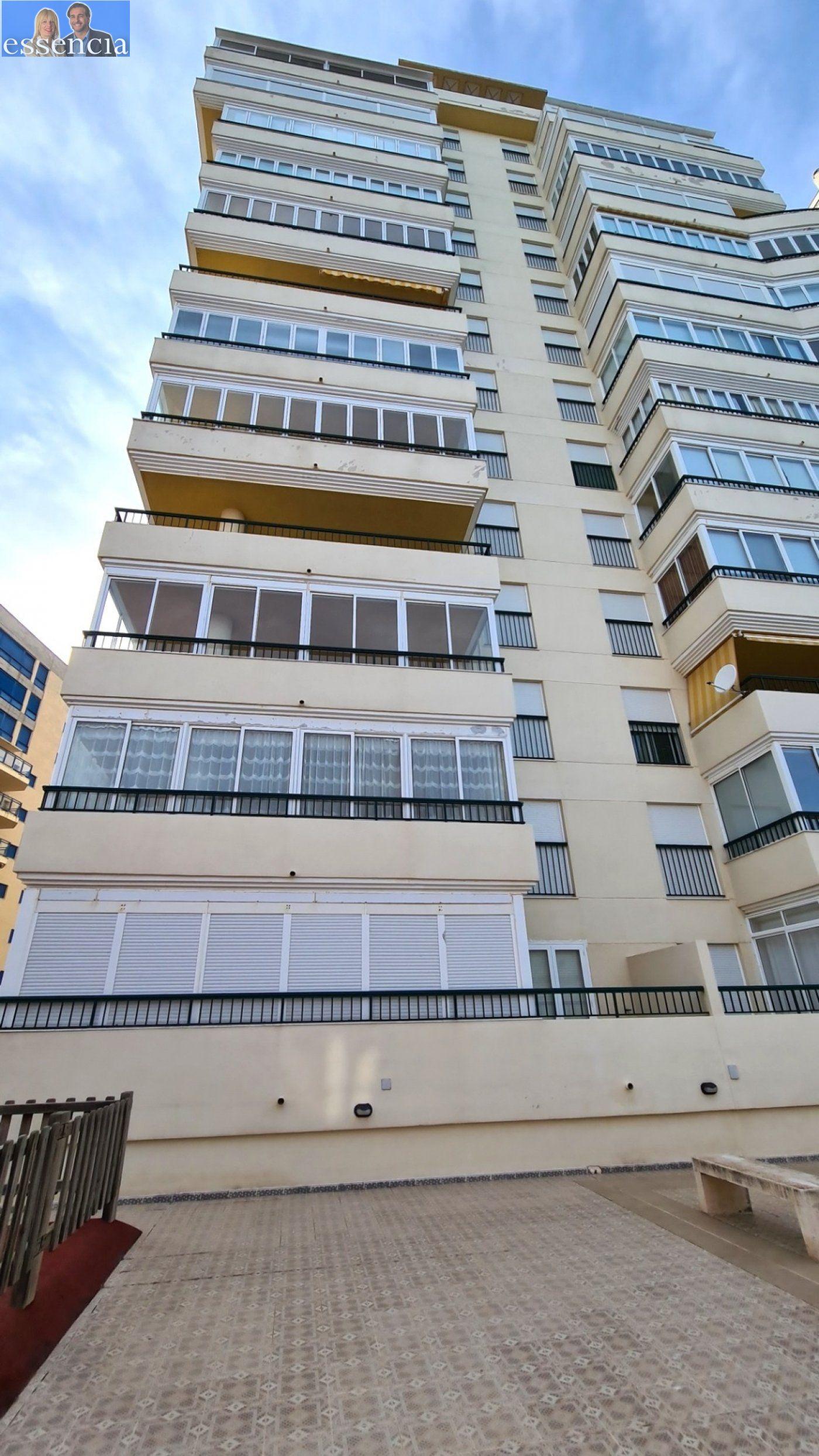 Disfruta de un fabuloso apartamento con una gran terraza y vistas al mar. - imagenInmueble28