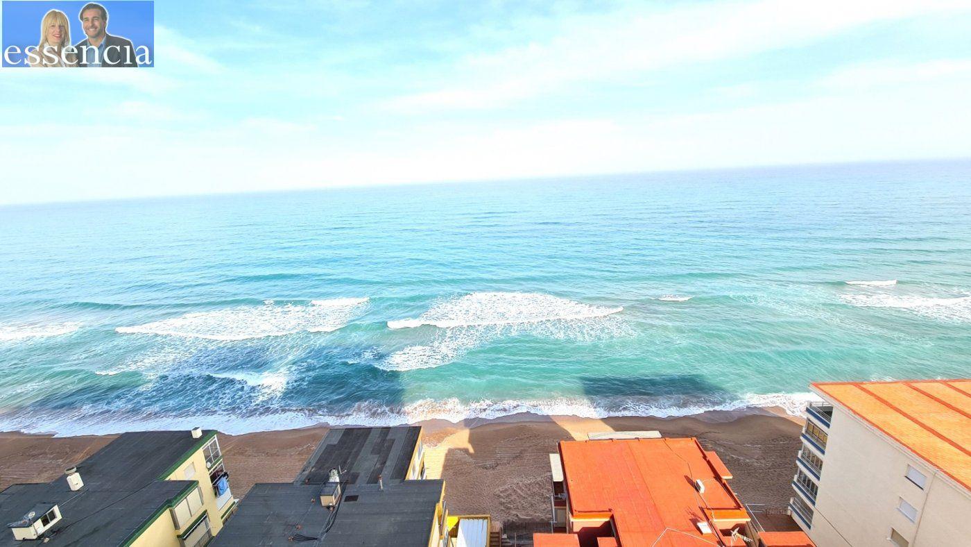 Disfruta de un fabuloso apartamento con una gran terraza y vistas al mar. - imagenInmueble2