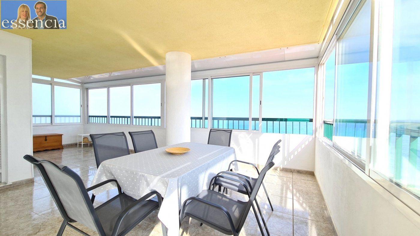Disfruta de un fabuloso apartamento con una gran terraza y vistas al mar. - imagenInmueble31