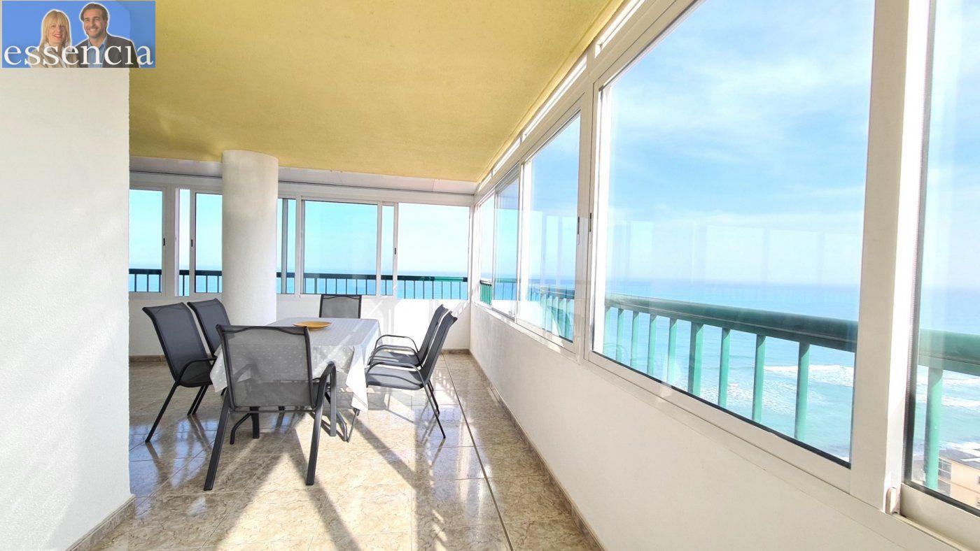 Disfruta de un fabuloso apartamento con una gran terraza y vistas al mar. - imagenInmueble4