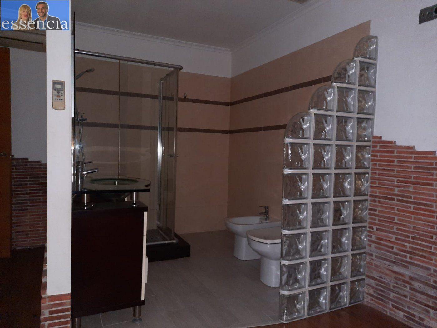 Bajo de 2 dormitorios y 2 baños con patio - imagenInmueble12