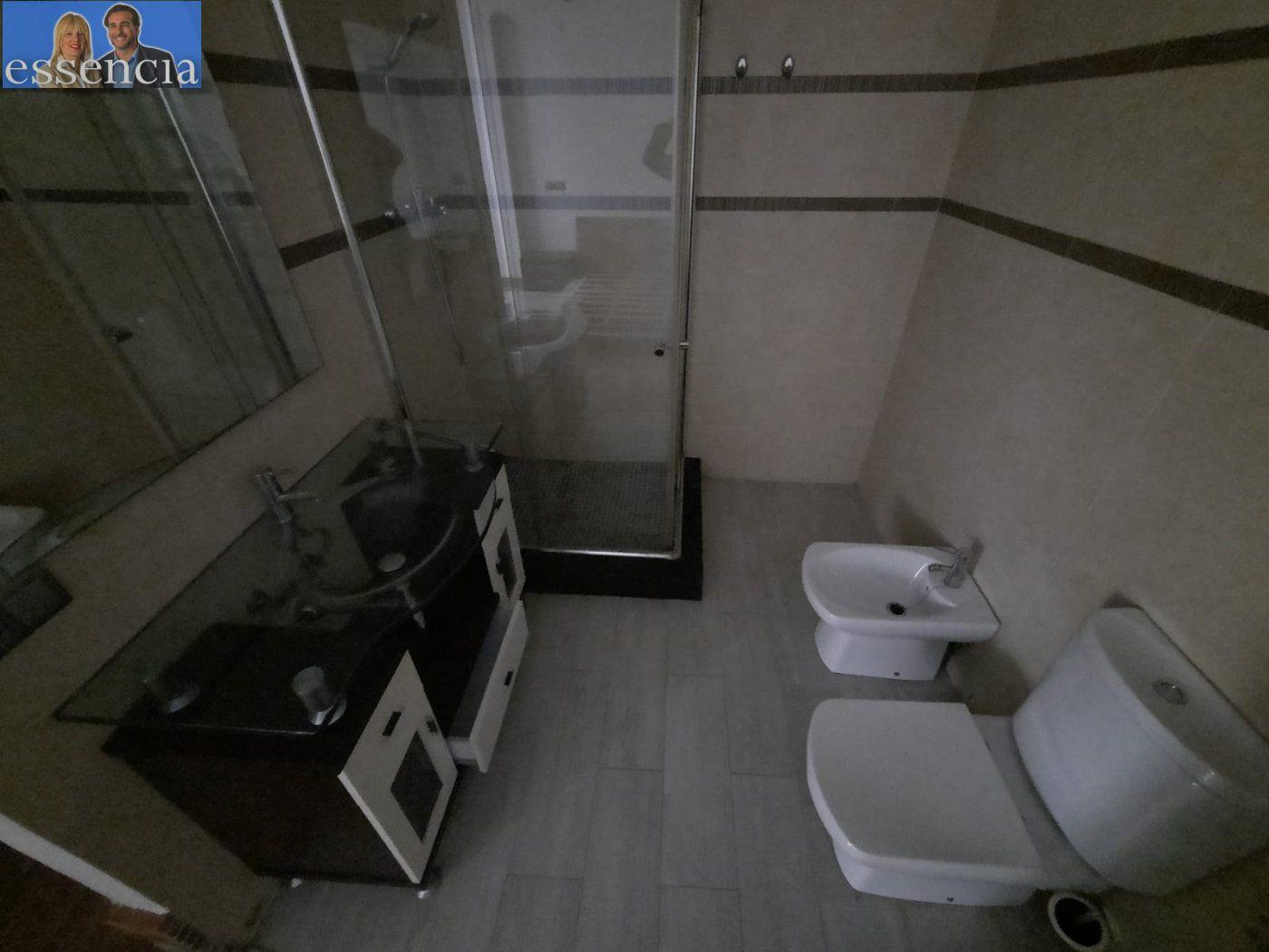 Bajo de 2 dormitorios y 2 baños con patio - imagenInmueble13