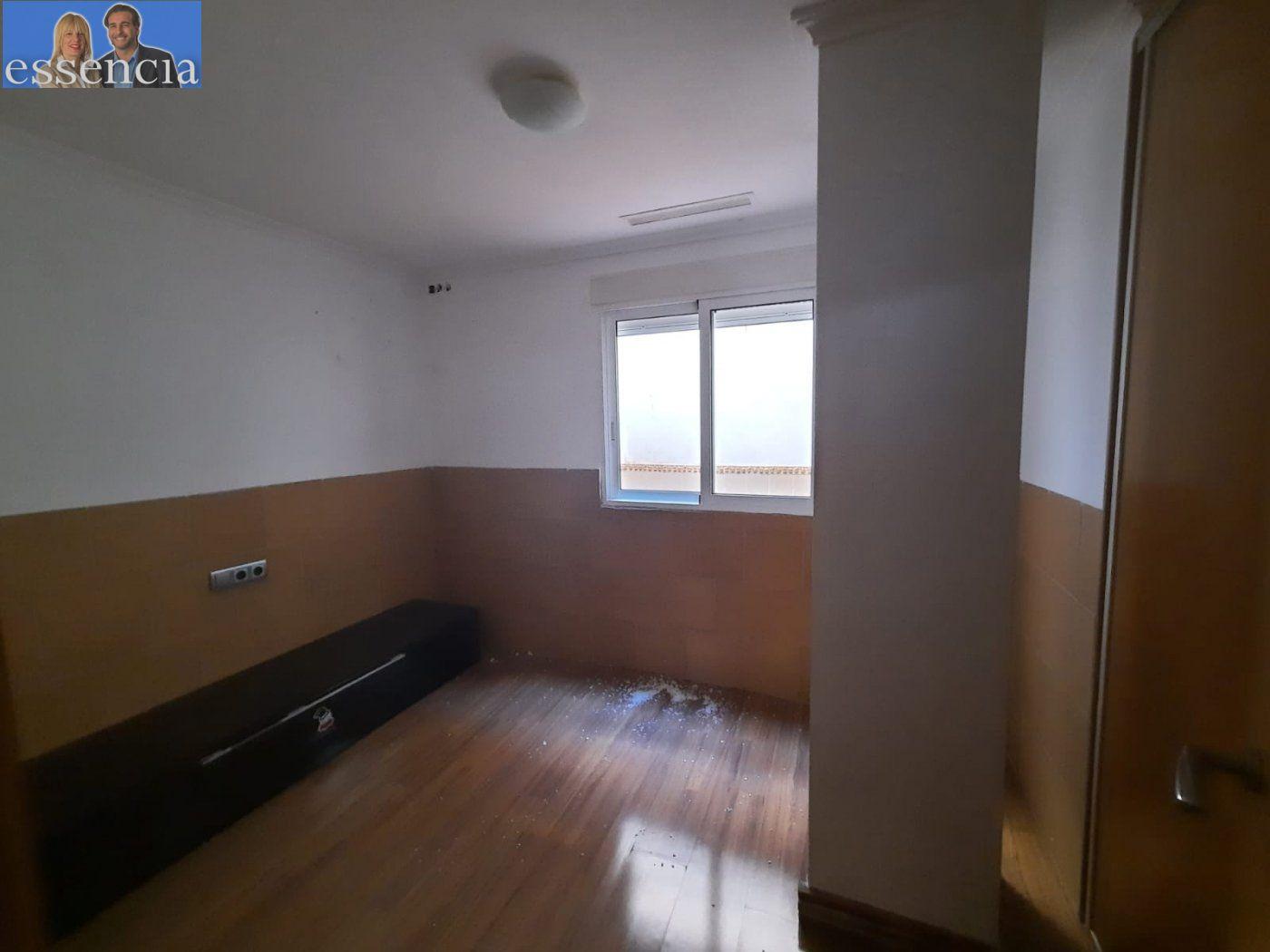 Bajo de 2 dormitorios y 2 baños con patio - imagenInmueble20