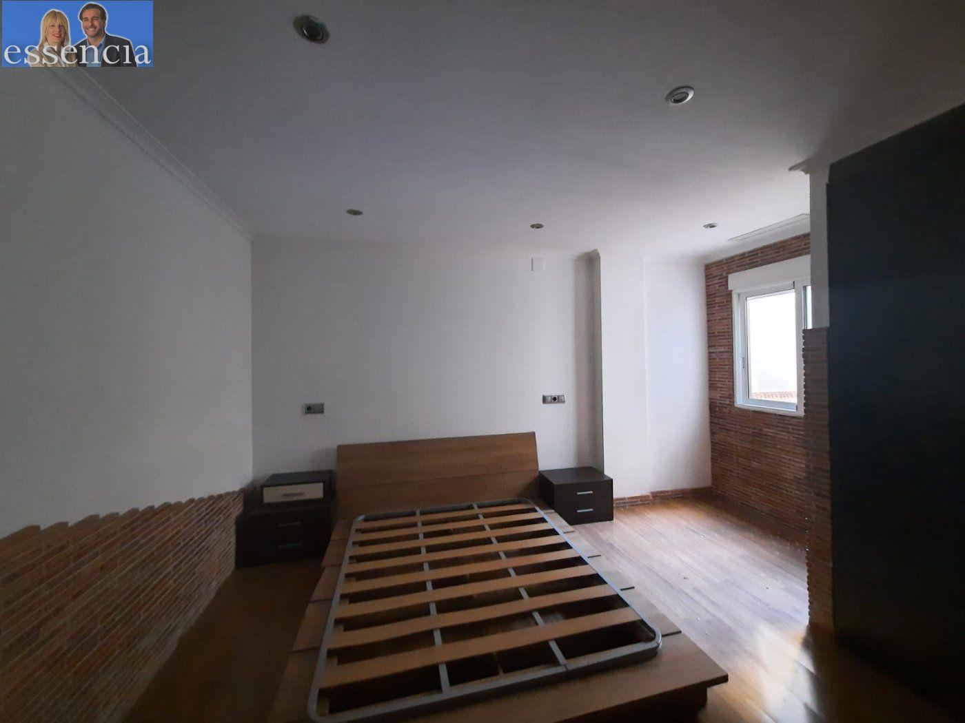Bajo de 2 dormitorios y 2 baños con patio - imagenInmueble25
