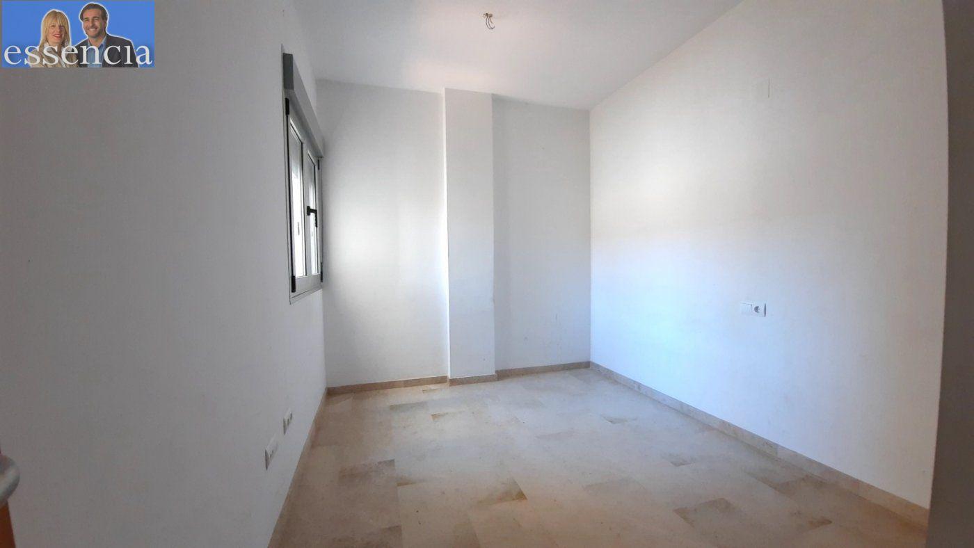 Vivienda amplia con ascensor en calle xiricull de oliva. - imagenInmueble13