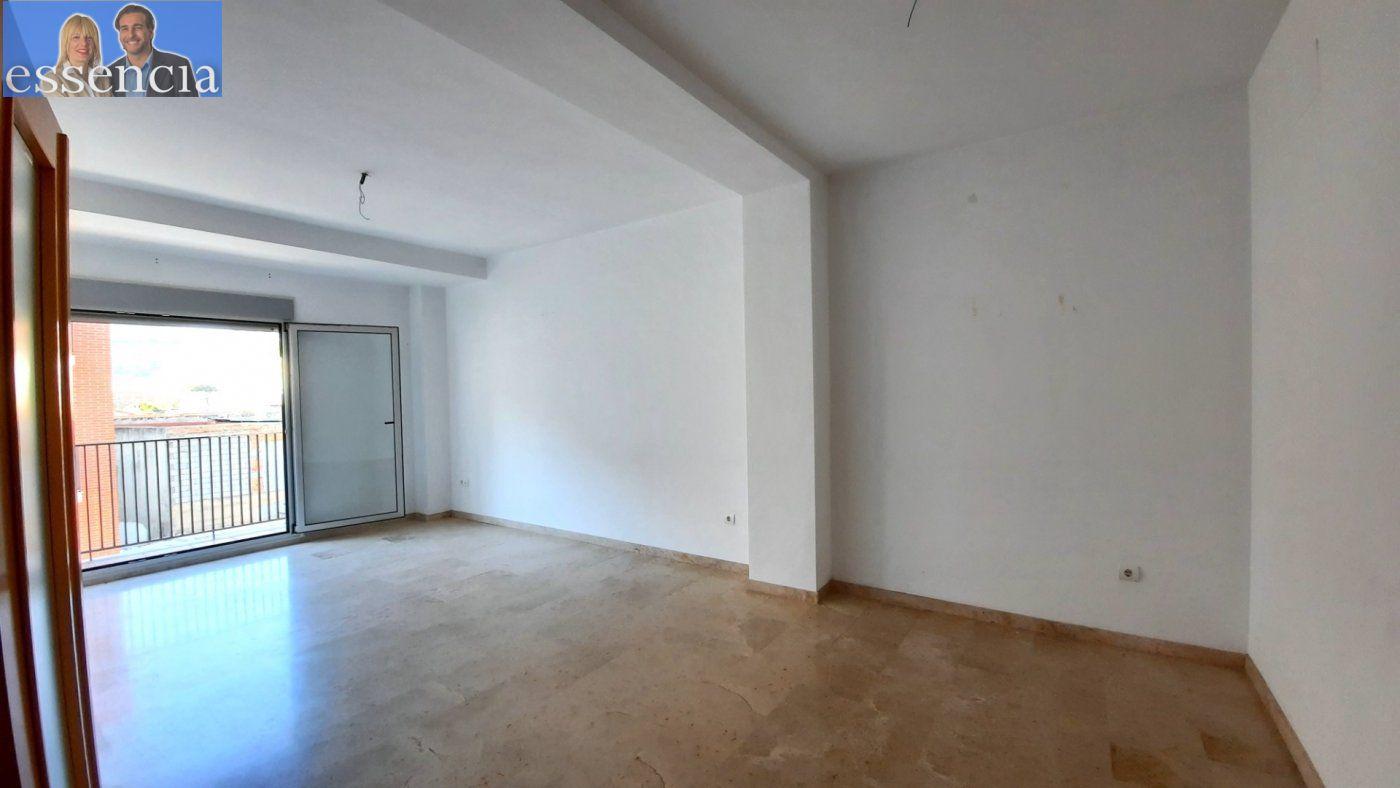 Vivienda amplia con ascensor en calle xiricull de oliva. - imagenInmueble4