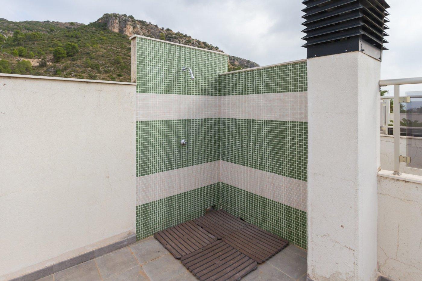 Fuera covid ! faboloso ático con vistas con terraza y piscina comunitaria y zona chillout. - imagenInmueble9