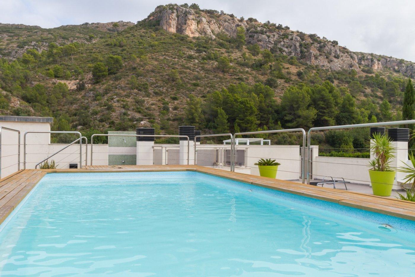 Fuera covid ! faboloso ático con vistas con terraza y piscina comunitaria y zona chillout. - imagenInmueble12