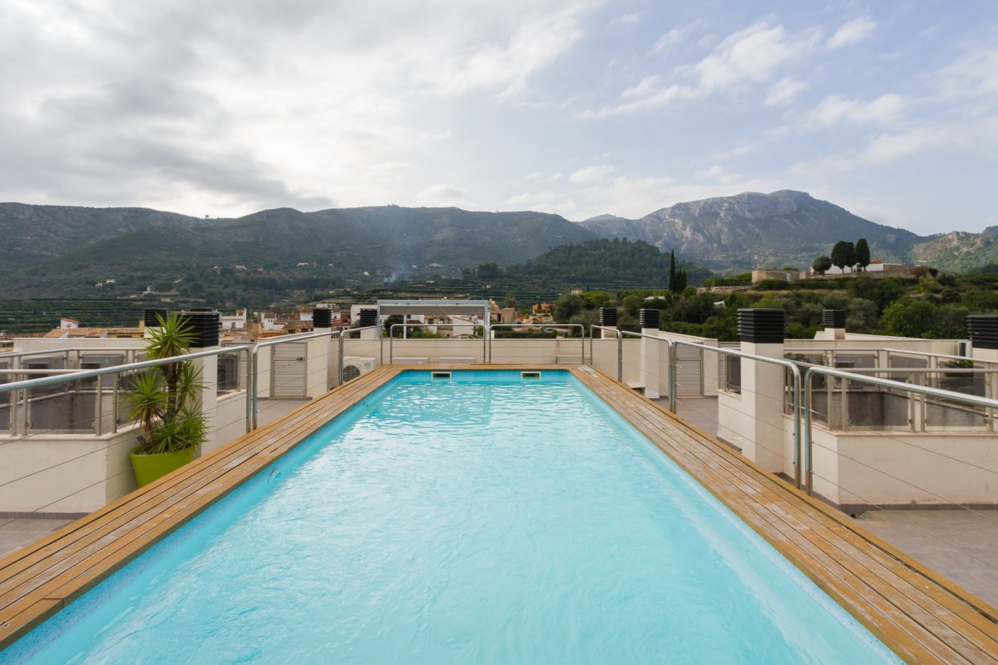 Fuera covid ! faboloso ático con vistas con terraza y piscina comunitaria y zona chillout. - imagenInmueble23