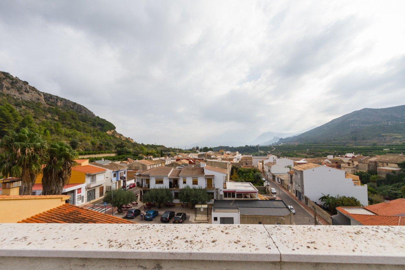 Fuera covid ! faboloso ático con vistas con terraza y piscina comunitaria y zona chillout. - imagenInmueble2