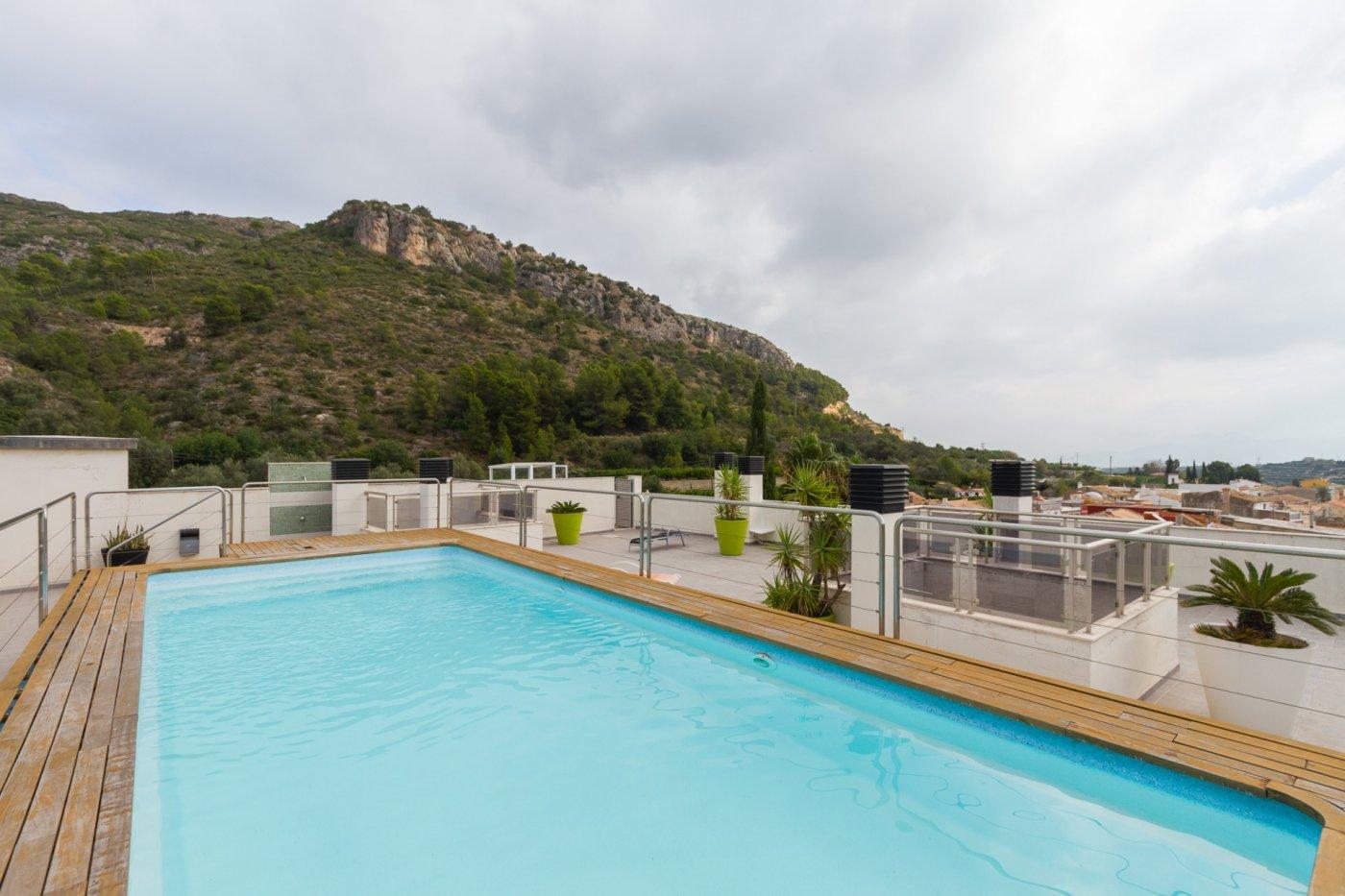 Fuera covid ! faboloso ático con vistas con terraza y piscina comunitaria y zona chillout. - imagenInmueble31