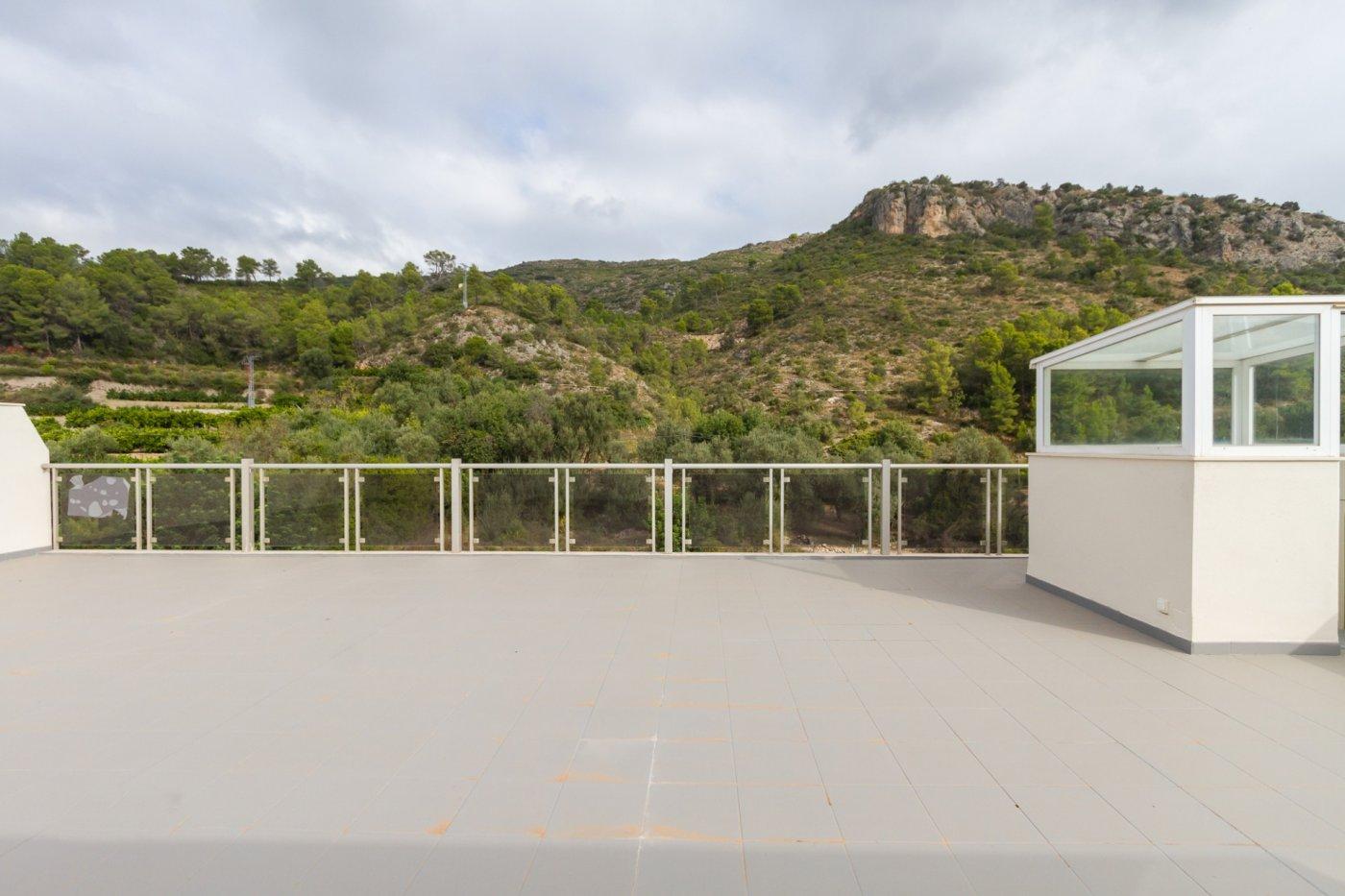 Fuera covid ! faboloso ático con vistas con terraza y piscina comunitaria y zona chillout. - imagenInmueble5