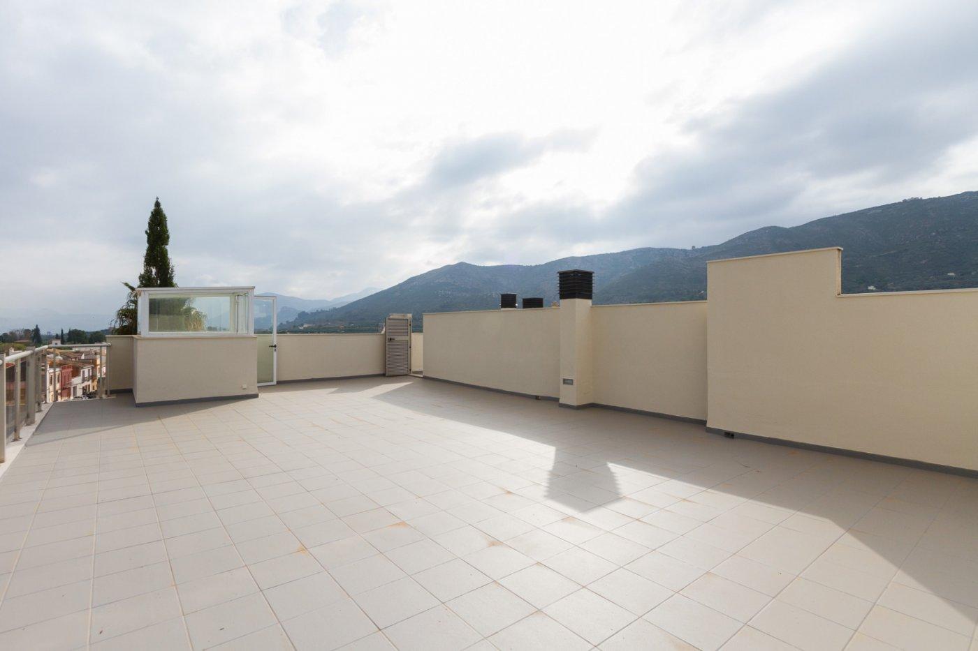 Fuera covid ! faboloso ático con vistas con terraza y piscina comunitaria y zona chillout. - imagenInmueble6