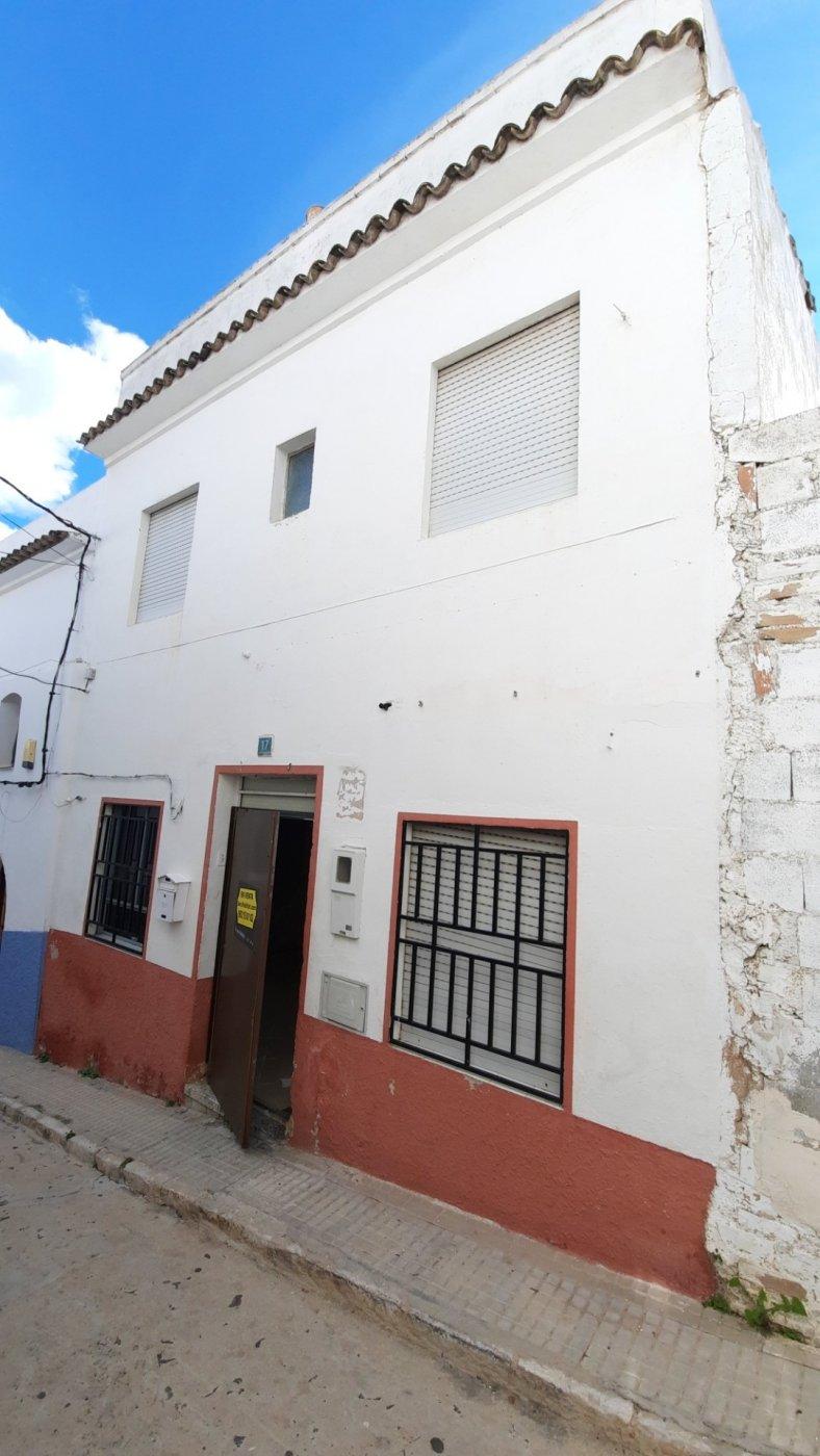 Casa de pueblo en venta en zona oeste de oliva.  terraza con bvstas al mar. - imagenInmueble3