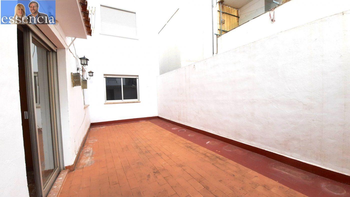 Piso con terraza y galería en zona conservatorio. residencial con ascensor. - imagenInmueble0