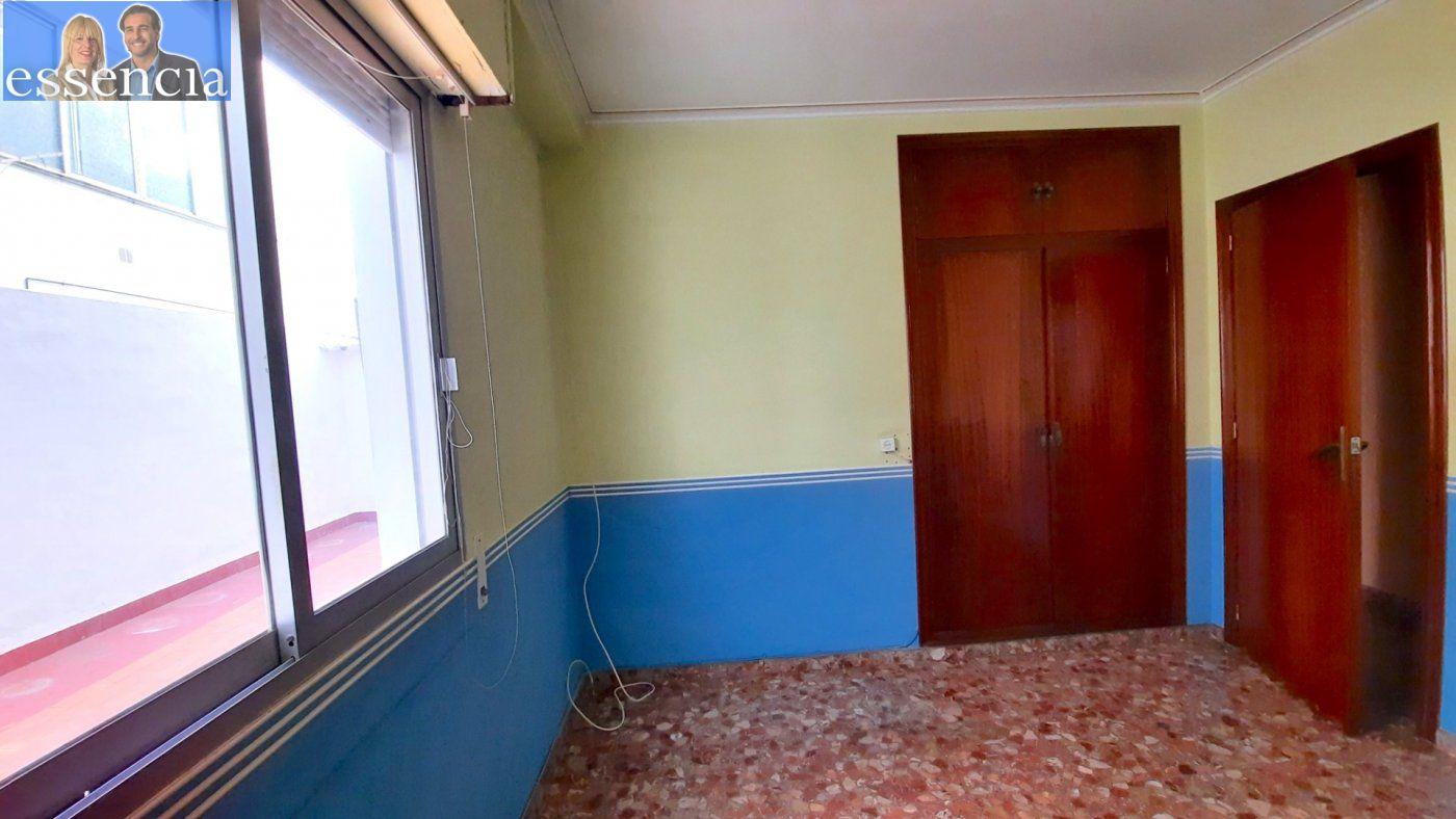 Piso con terraza y galería en zona conservatorio. residencial con ascensor. - imagenInmueble23
