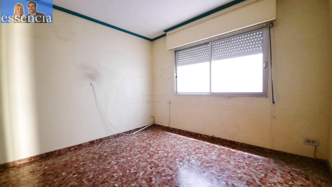 Piso con terraza y galería en zona conservatorio. residencial con ascensor. - imagenInmueble24