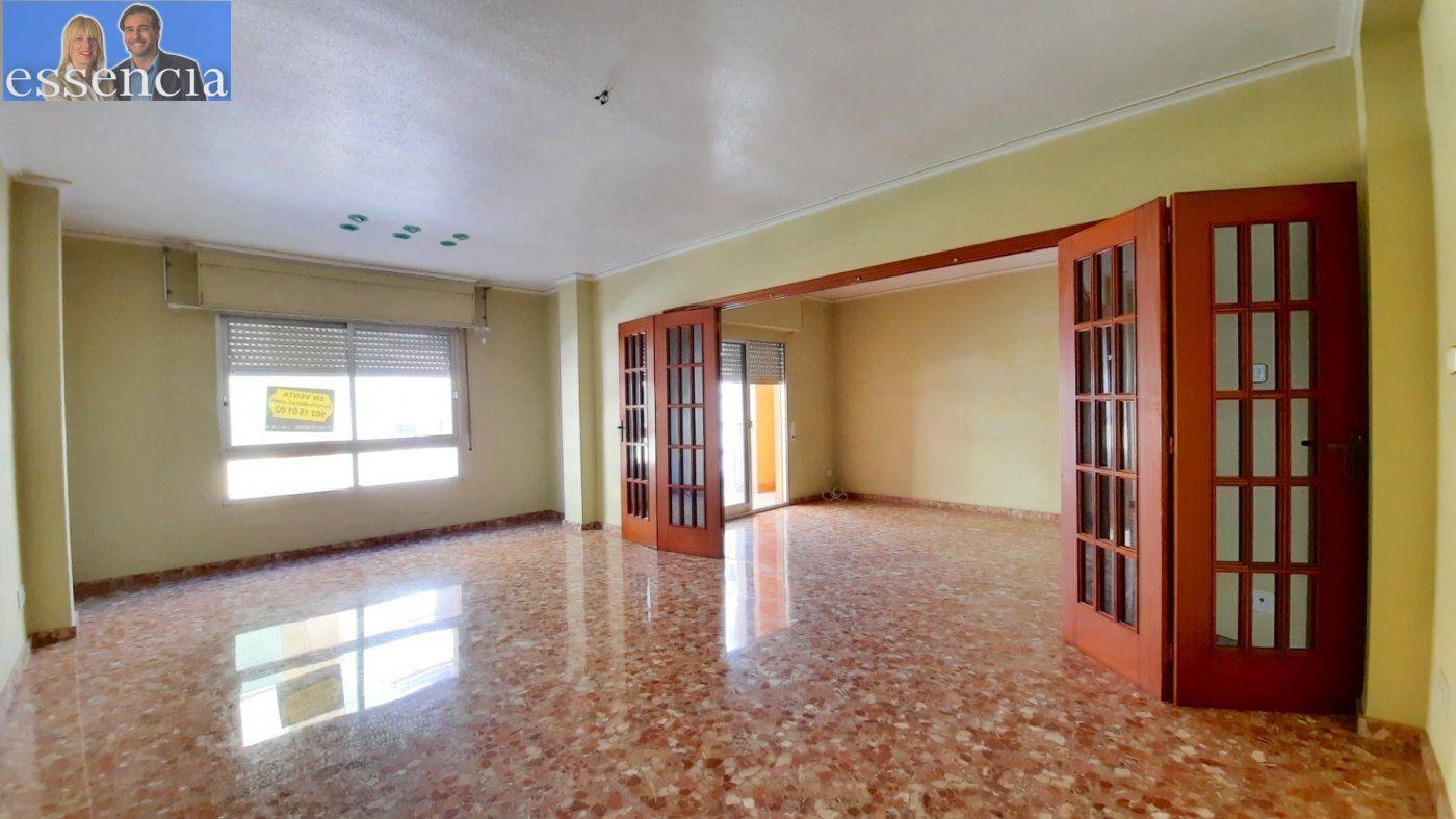Piso con terraza y galería en zona conservatorio. residencial con ascensor. - imagenInmueble6