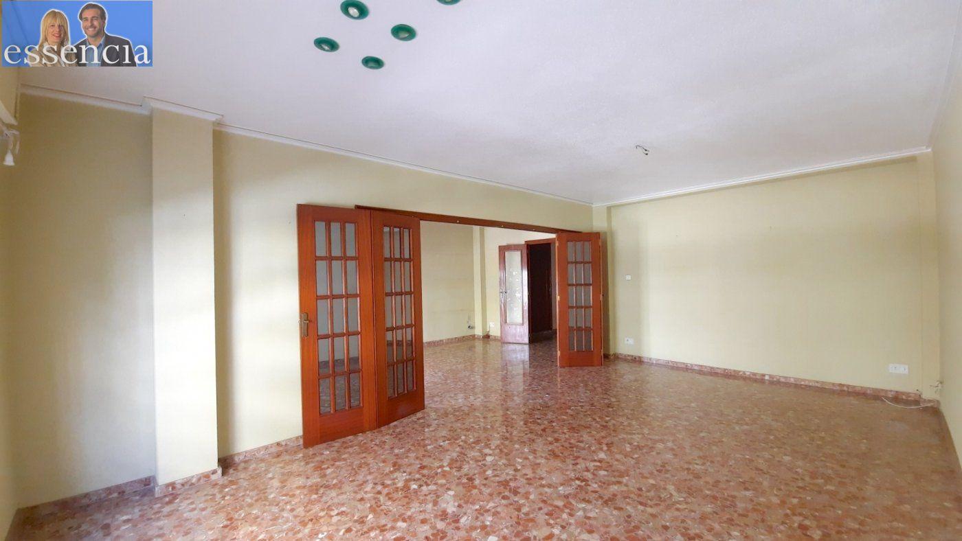 Piso con terraza y galería en zona conservatorio. residencial con ascensor. - imagenInmueble8