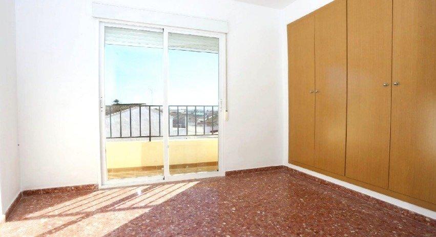 Amplio piso en sollana - imagenInmueble2