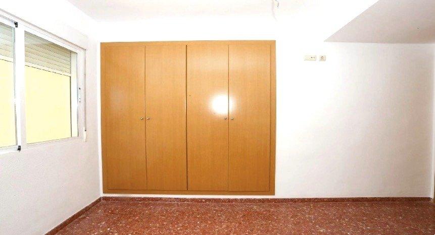 Amplio piso en sollana - imagenInmueble4
