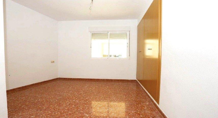 Amplio piso en sollana - imagenInmueble5