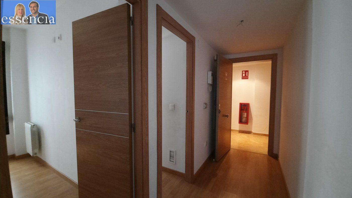 Vivienda de 3 dormitorios y dos baños con garaje , trastero y patio. - imagenInmueble9