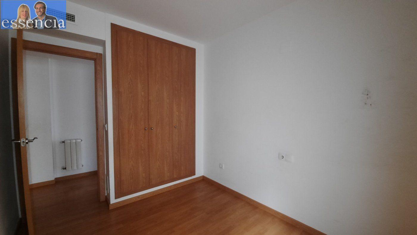 Vivienda de 3 dormitorios y dos baños con garaje , trastero y patio. - imagenInmueble11